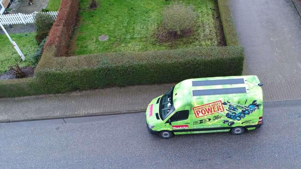 mipv.pro - green car - contact us